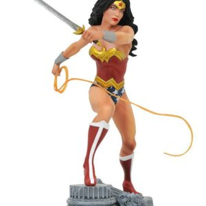 DC COMIC GALLERY WONDER WOMAN PVC DIORAMA