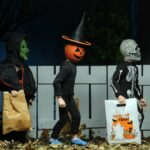 NECA Halloween 3: Season of the Witch – 6″ Clothed Action Figure Set