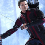 Hawkeye Sixth Scale Figure by Hot Toys